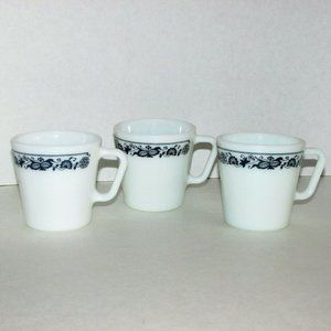 PYREX OLD TOWN Milk Glass Coffee Mugs Blue Onion